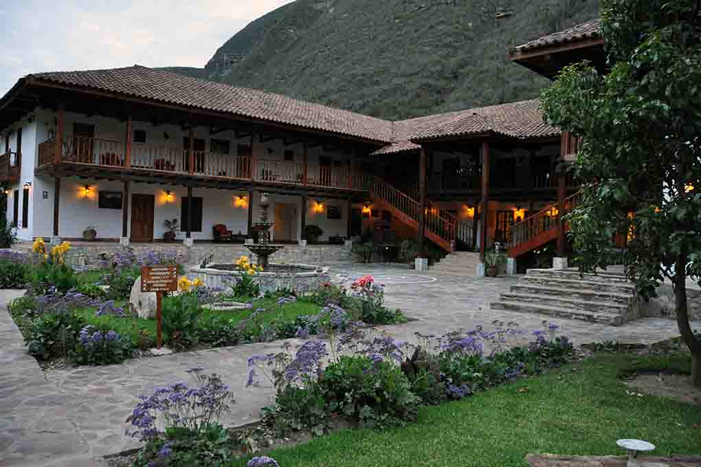 Hotels chachapoyas to peru for Casa andina classic